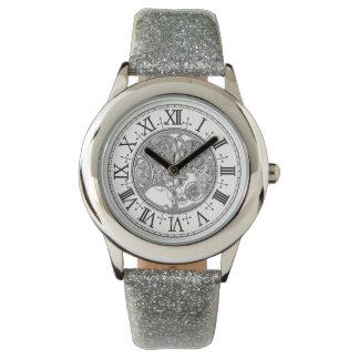 Relógio de prata da correia do brilho do miúdo