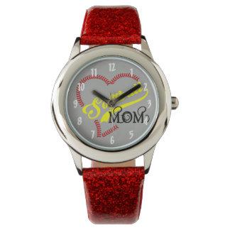 Relógio De Pulso A mamã do softball do coração do ponto da emenda