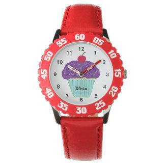 Relógio De Pulso Cereja no cupcake roxo superior da baunilha do
