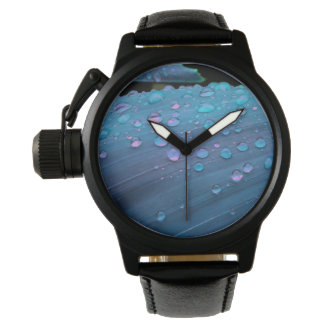 Relógio De Pulso Close up dos pingos de chuva, azuis de Spacey
