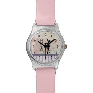 Relógio De Pulso Dança - silhueta da bailarina no fundo do vintage