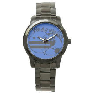 Relógio de pulso de WeAllWeGot com cara azul