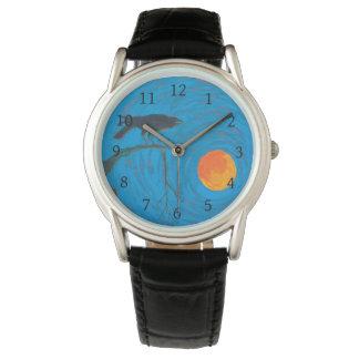 Relógio de pulso do corvo e da Lua cheia