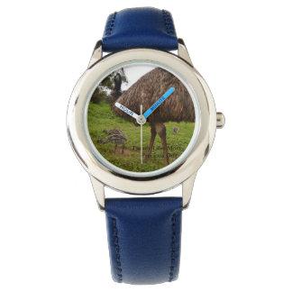 Relógio De Pulso Emus do pai e do bebê que vão para uma caminhada,