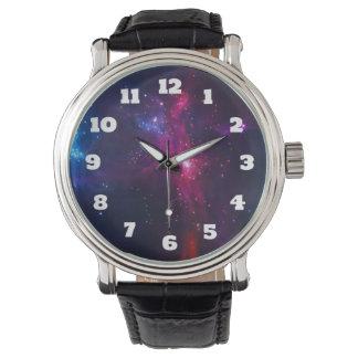 Relógio De Pulso Estrelas e nebulosa cósmicas do espaço