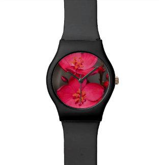 Relógio De Pulso Flores tropicais vermelhas e cor-de-rosa de Fiji