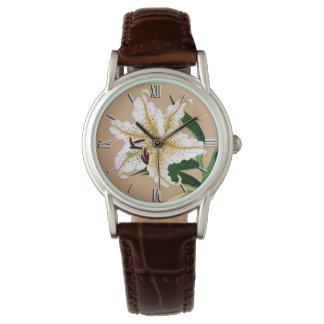 Relógio De Pulso Japonês Liliy do vintage. Branco, verde e bege