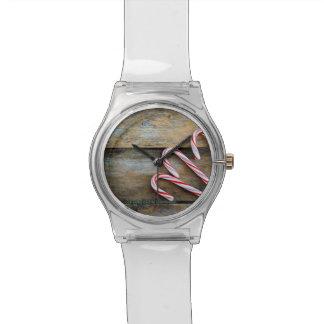 Relógio De Pulso Madeira rústica com os bastões de doces do Natal