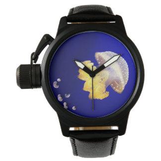 Relógio de pulso manchado australiano das medusa