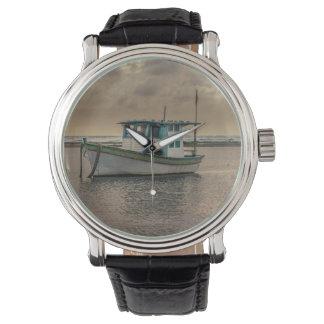 Relógio De Pulso Navio pequeno no oceano Porto Galinhas Brasil