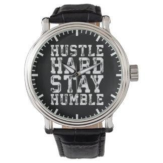 Relógio De Pulso O duro da convicção, permanece humilde - palavras