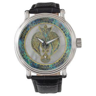 Relógio De Pulso Pássaro tribal do ouro no olmo