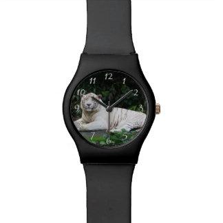 Relógio De Pulso Tigre de Bengal preto e branco relaxado e sorriso