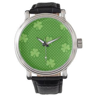 Relógio Dia verde de Patricks do santo do teste padrão do