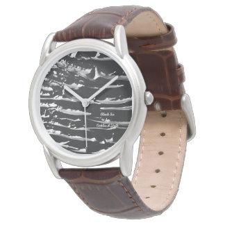 Relógio do couro de Tan do gelo preto