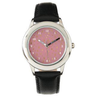 Relógio dourado das estrelas da paixão cor-de-rosa