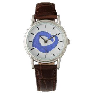 Relógio Dragão azul do coração no branco