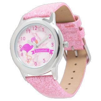 Relógio Flamingo cor-de-rosa tropical no mármore com uma
