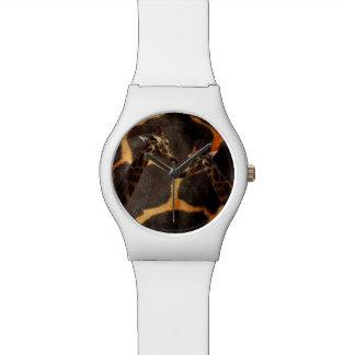 Relógio Girafas no teste padrão exótico do girafa,