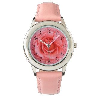 Relógio Gotas cor-de-rosa românticas da água cor-de-rosa