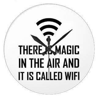 Relógio Grande A mágica no ar é Wifi