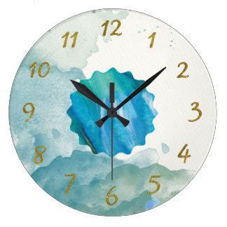 Relógio Grande Aguarela orgânica com numerais do ouro