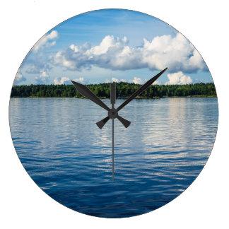 Relógio Grande Arquipélago na costa de mar Báltico na suecia