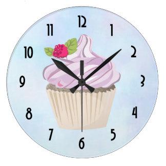 Relógio Grande Baga cor-de-rosa deliciosa do cupcake na parte