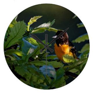 Relógio Grande Baltimore Oriole no pulso de disparo das folhas