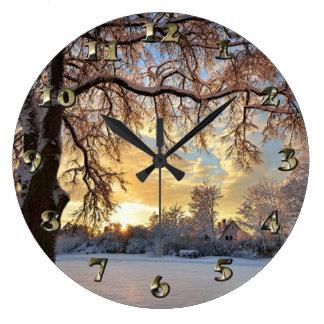 Relógio Grande Campo do inverno em Latvia