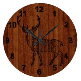 Relógio Grande Cervos rústicos cinzelados no efeito de madeira