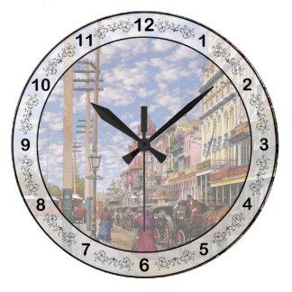 Relógio Grande Cidade - Nova Orleães a era 1887 do Victorian