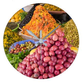 Relógio Grande Comida conservada no mercado