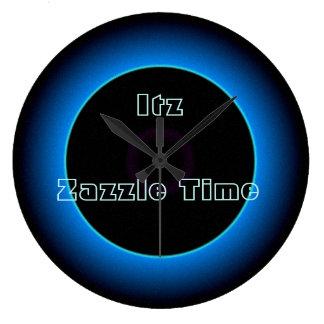 """Relógio Grande De """"O >Wall iluminado do texto do tempo Itz"""