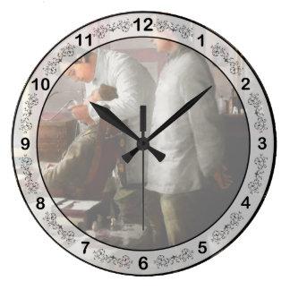 Relógio Grande Dentista - os horror da guerra 1917