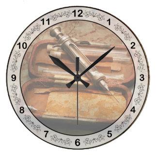 Relógio Grande Doutor - a seringa Hypodermic