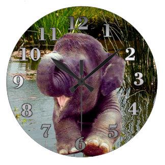 Relógio Grande Elefante e água