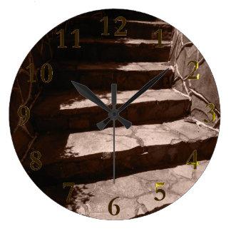 Relógio Grande etapas de pedra velhas