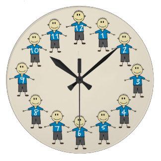 Relógio Grande Figuras felizes divertimento da vara do menino do