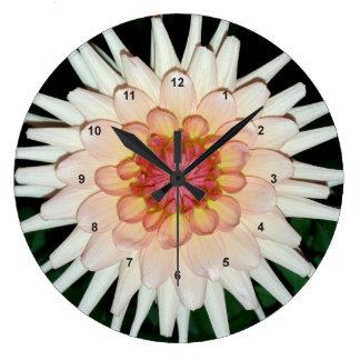 Relógio Grande flor em uma noite legal