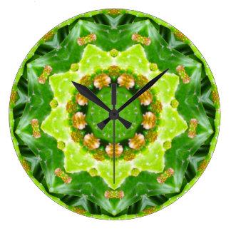 Relógio Grande Fractal verde de Spikey Succulant