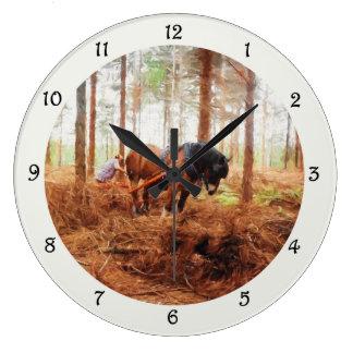 Relógio Grande Gigante delicado - o arrasto do cavalo de esboço