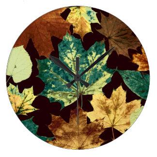 Relógio Grande Leaves áureas