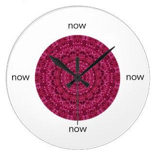 """Relógio Grande Mandala floral magenta lindo """"agora """""""