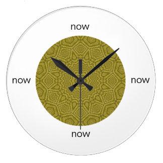 """Relógio Grande Mandala geométrica da azeitona e do ouro """"agora """""""
