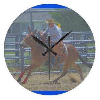 Relógio Grande Montana mula dias junho de 2016