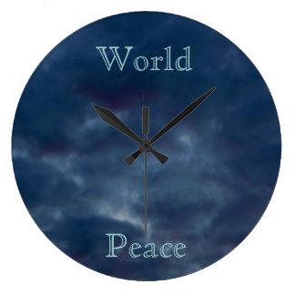 Relógio Grande Nuvens do azul da paz de mundo