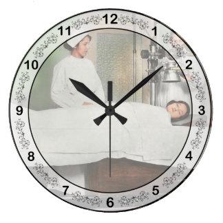 Relógio Grande O doutor - raio X - que obtem minha cabeça