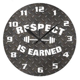 Relógio Grande O respeito é ganhado legal