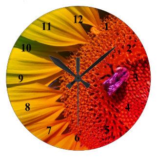 Relógio Grande Salvar o pulso de disparo de parede amarelo